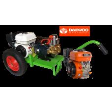 Βενζινοκίνητο ψεκαστικό συγκρότημα σε απλή  βάση με ρόδες 400 - 6 λινες - κινητήρα DAEWOO 6.5HP - αντλία TF40